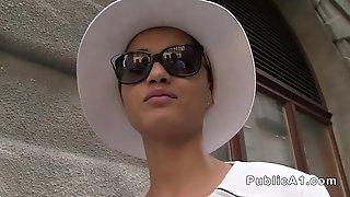 Африканка с короткими волосами занялась сексом с пикапером