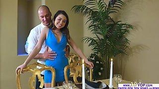 Melissa и Riley на кухне отдались двум партнерам без резинок