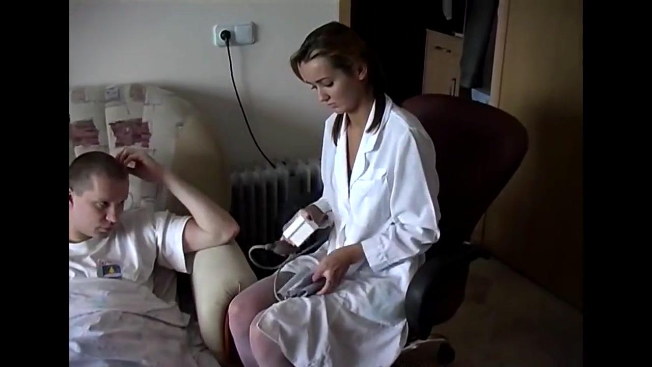 Больной Пациент Трахнул Русскую Врачиху На Домашнем Осмотре