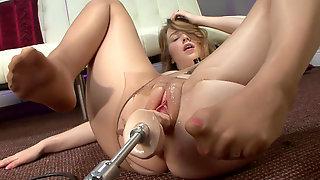 Опробовала свою секс машину
