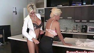 Puma Swede и Bobbi на кухне занимаются лесбийским сексом