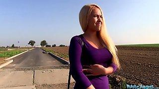 Briana Bounce встретила пикапера по дороге домой и сделала ему глубокий минет