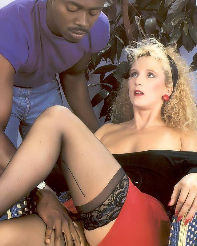 Анал с сексуальной девахой смотреть эротику