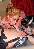 В этом клубе давно практикуют секс-вечеринки 11 фотография