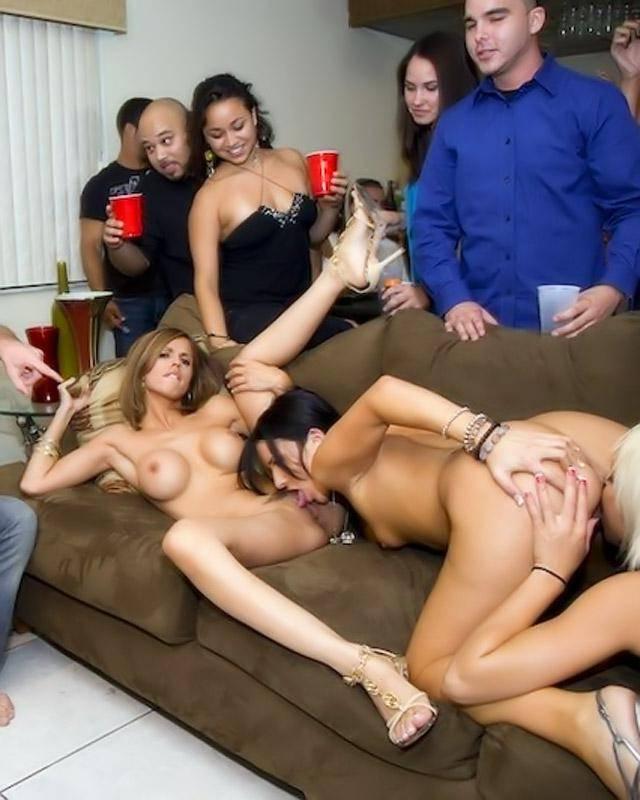 Студенческая секс-вечеринка