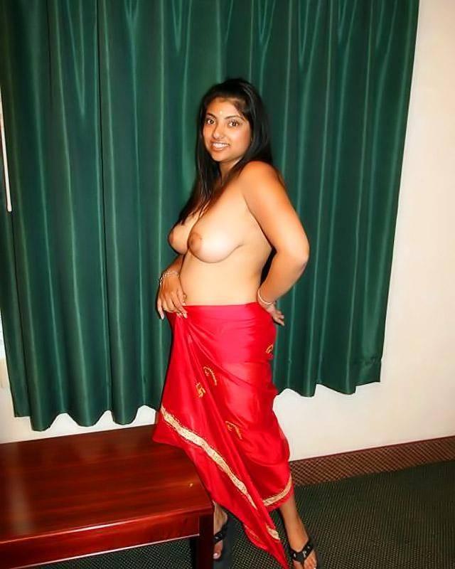 У этой индианки крупные сисяндры