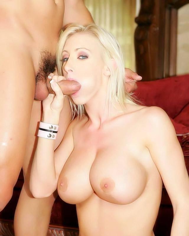 Красивая госпожа стоит рачком, что бы впустить по глубже своего слугу