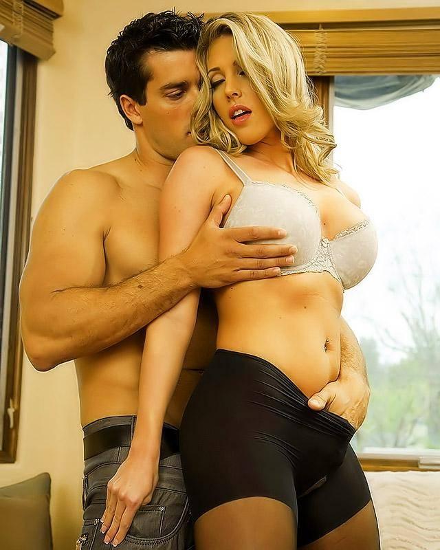 Большегрудой Саманте обкончали дойки секс фото