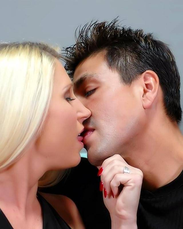 Ню онлайн куннилингус сексуальной бабе