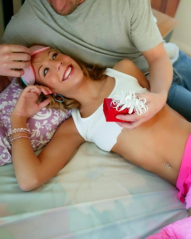 19-летняя куколка согласилась на фетиш еблю
