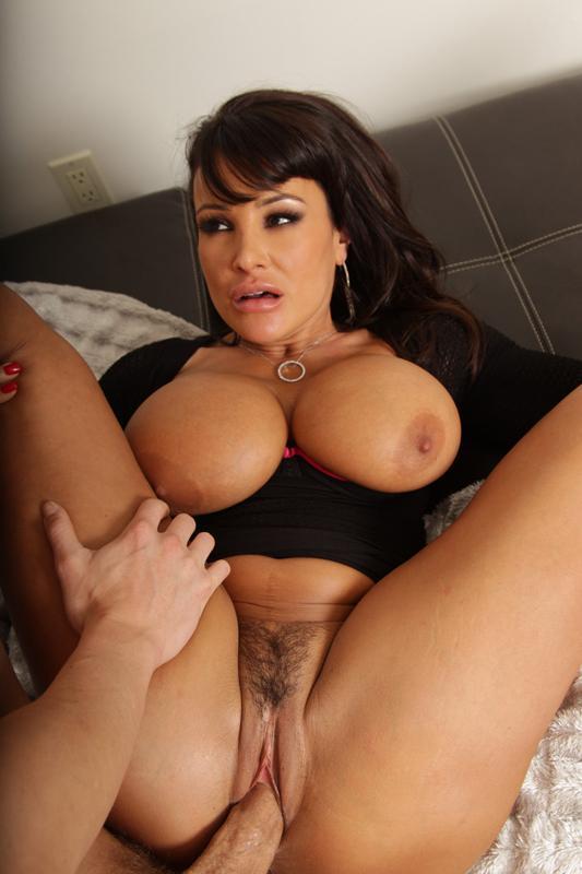 Шикарная порнозвезда Lisa Ann