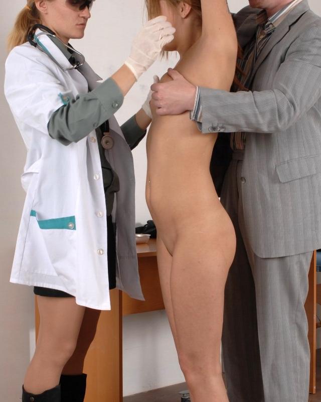 Две сучки во врачебном кабинете секс фото