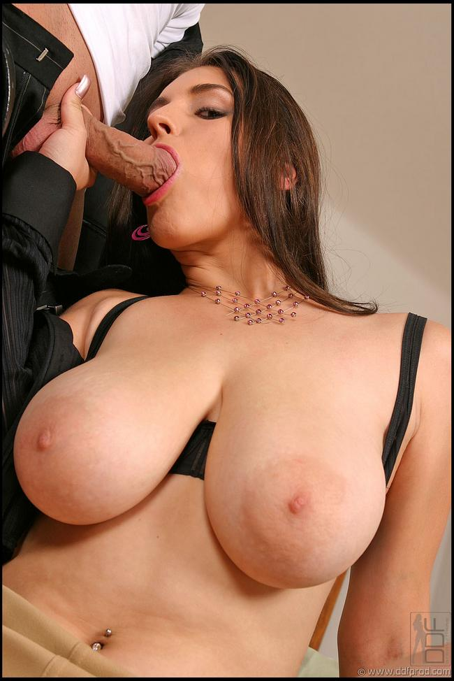 Большая грудь секретарши