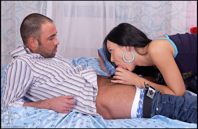 Сьюзи отдается своему новому юнцу
