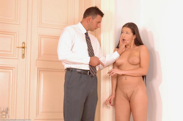 Ученица ублажает молодого препода
