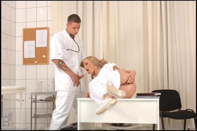 Медработники занимаются сексом секс фото