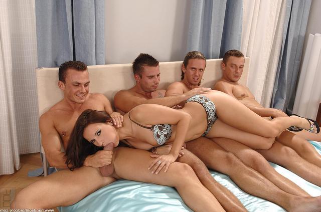 Одна Сучка Против Четверых Кабелей Порно И Секс Фото С Худыми