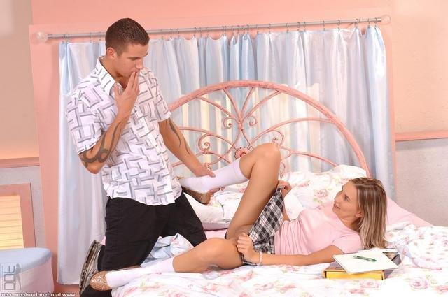 Марк Засадил В Киску Кузине Порно И Секс Фото С Молоденькими