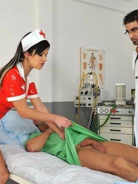 порно врач медсестра пациент