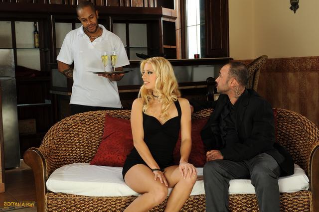 Похотливая светлая порно звезда для всех смотреть эротику