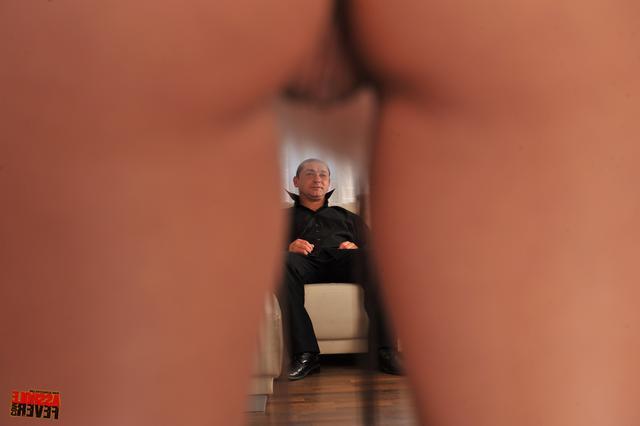 Хорошо сидит на стоячем пенисе