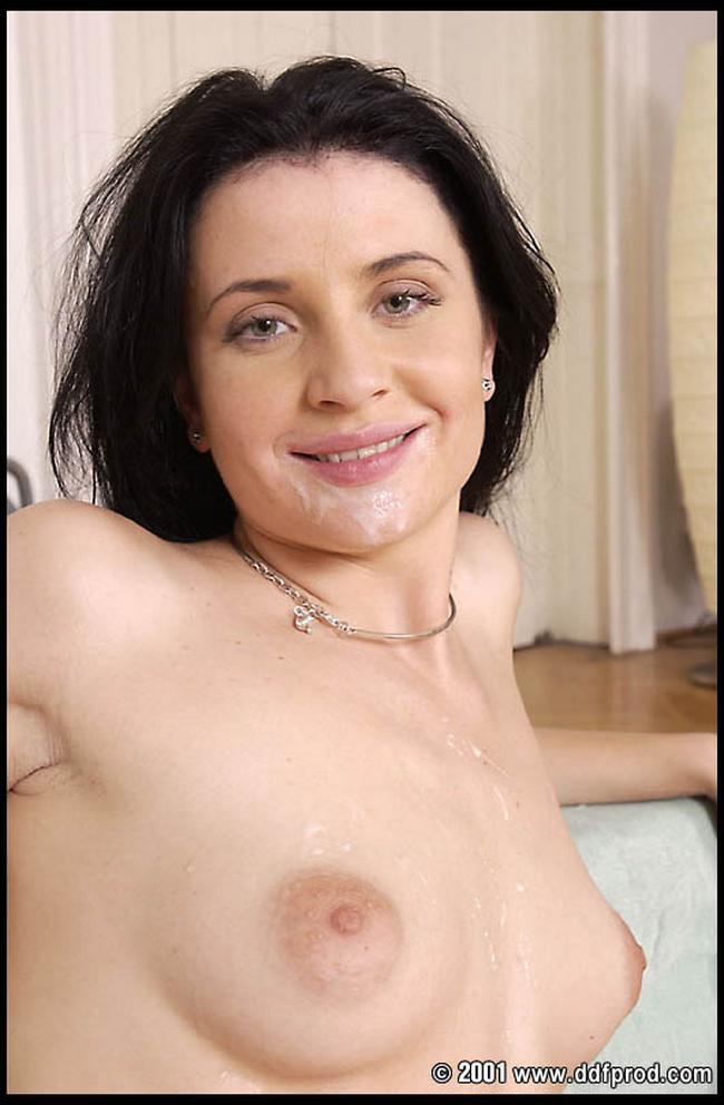 Диана желает отсасывать самцам секс фото
