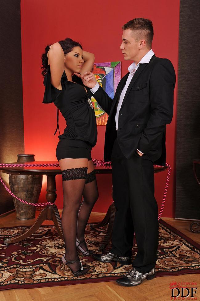 Красивая Шлюха Для Богатого Бизнесмена Порно И Секс Фото С Брюнетками