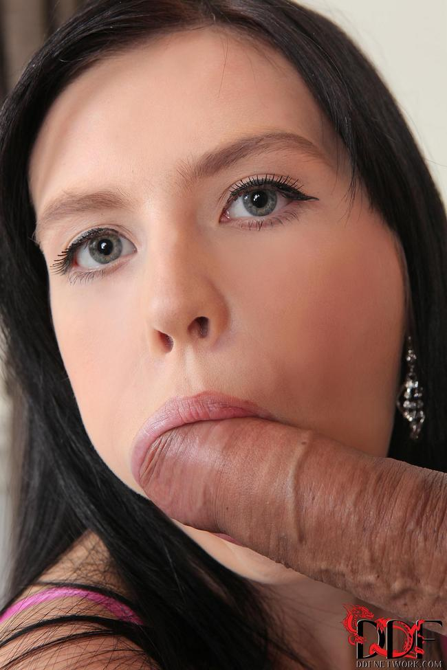 Девушка с разработанным лобком