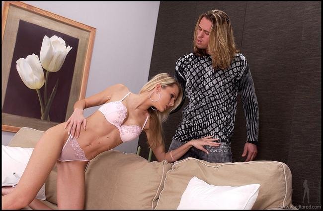 Катя переспала с длинноволосым другом смотреть эротику