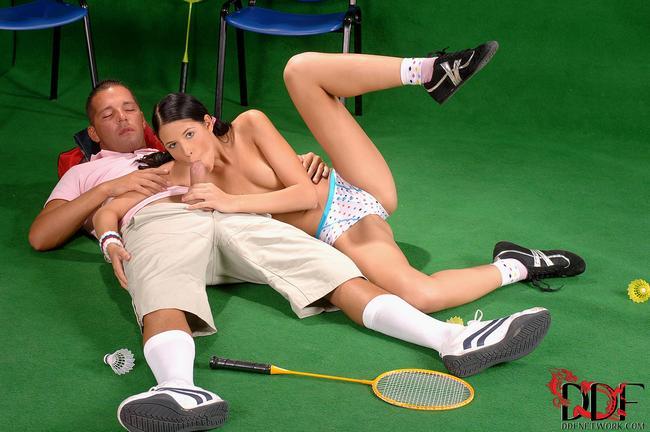 Фанатка отдалась знаменитому теннисисту