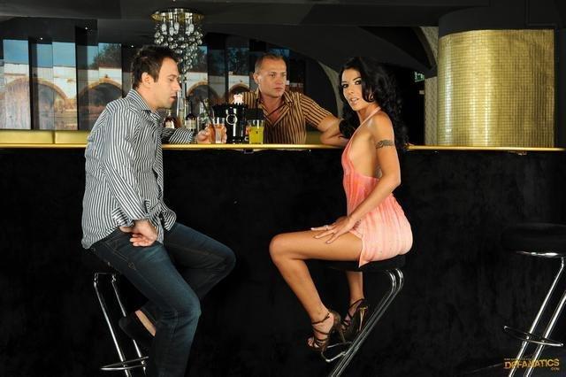 Пьяная Наташка Делает Любовникам Приятно Порно И Секс Фото С Пьяными