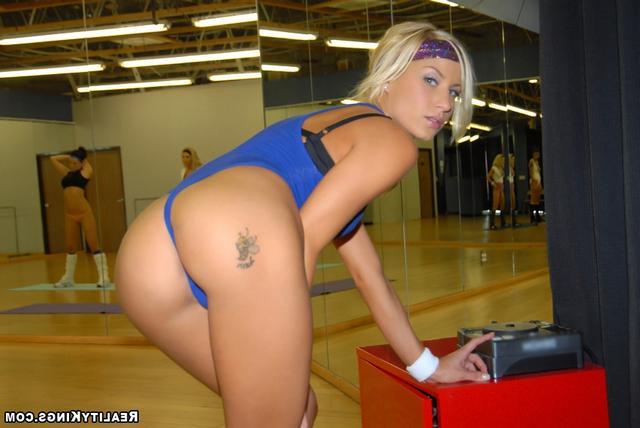 Секс в спортивном клубе фото, кто отъебет жену при мне москва и область