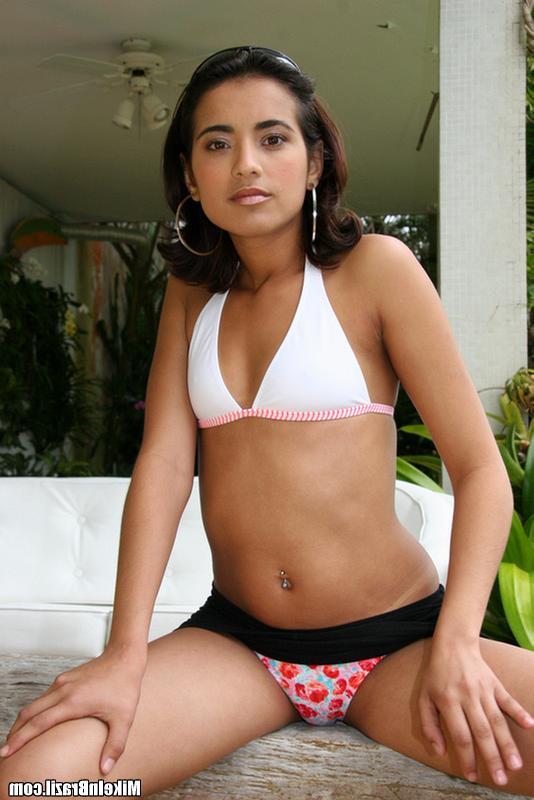 У индийской красавицы разработанные щёлки