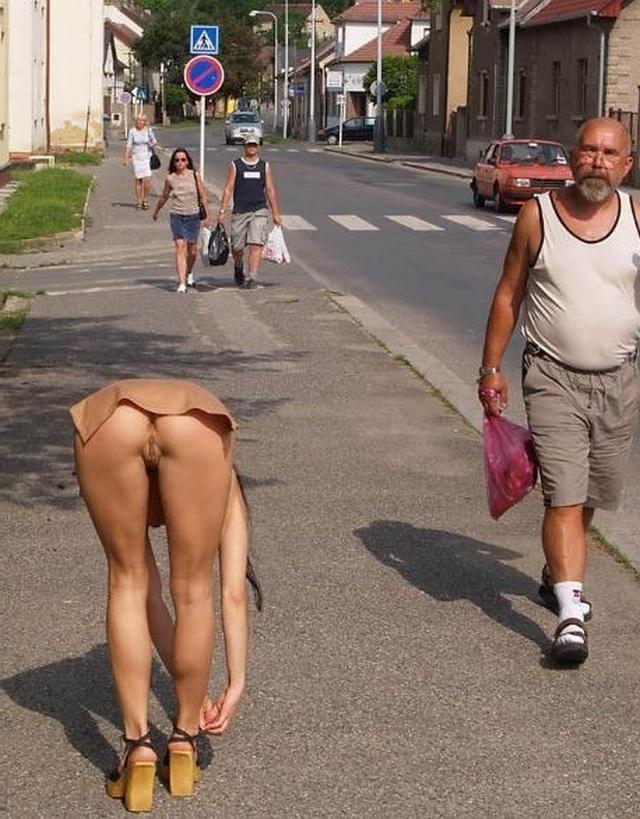 Под Юбкой Ожидают Сексуальные Чудеса Порно И Секс Фото Под Юбками