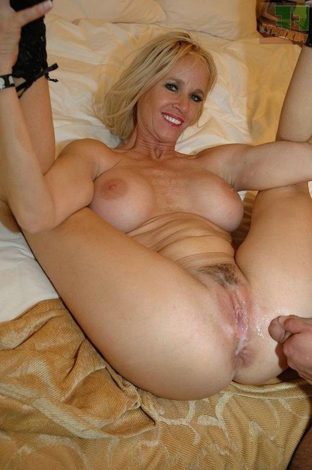 Тетки задрали ноги до ушей секс фото