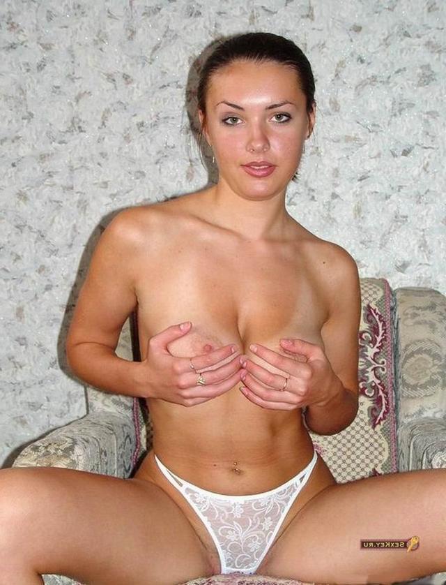 Юлия решила показать длинные ноги