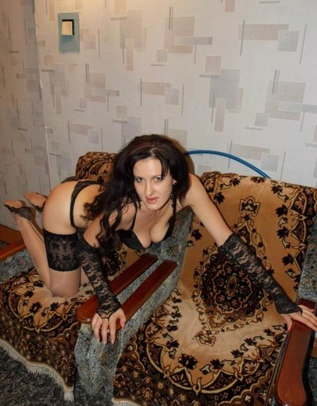 Регина показывает красивые ноги секс фото
