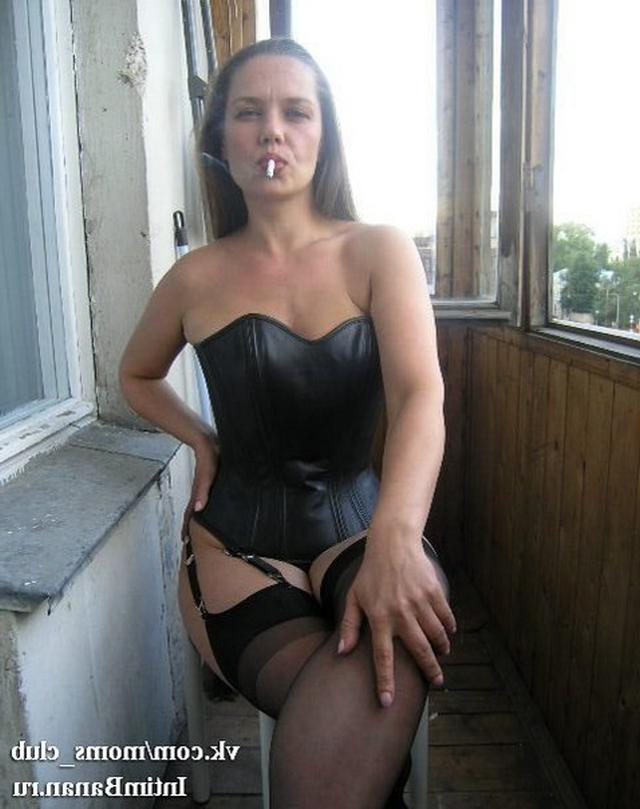 porno-ulitse-foto-besstizhih-porno-mamok-spoili-trahnuli-snyal