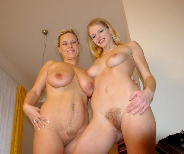 Мамочки с дочками в обнаженном виде