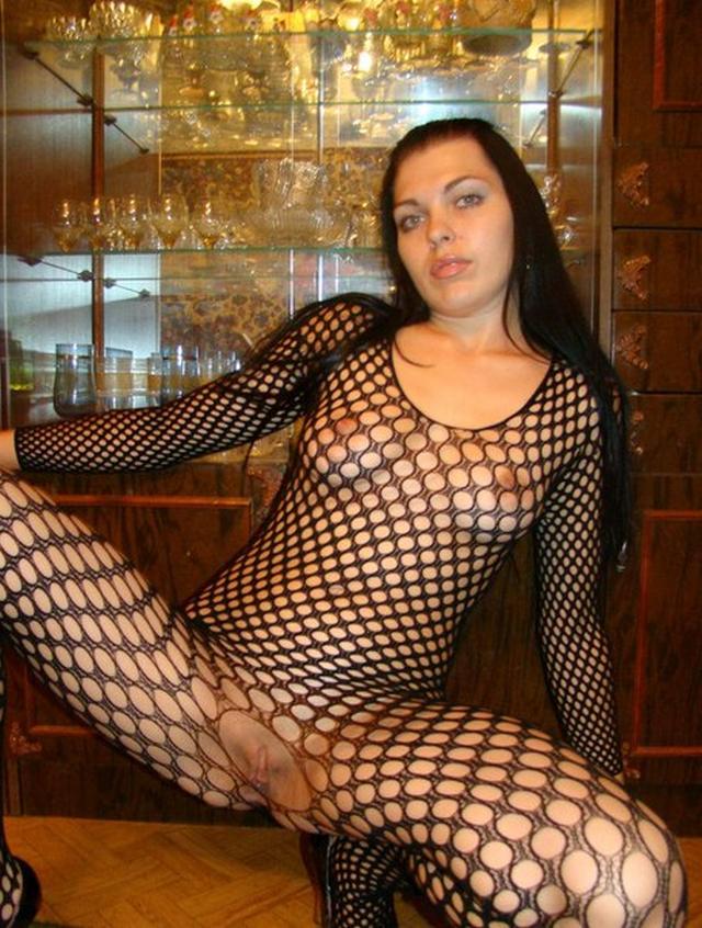 Излишне сексапильная девка Ксения