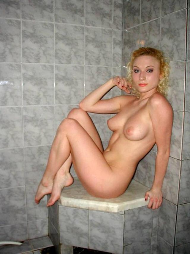 Жены позируют голыми фото 11