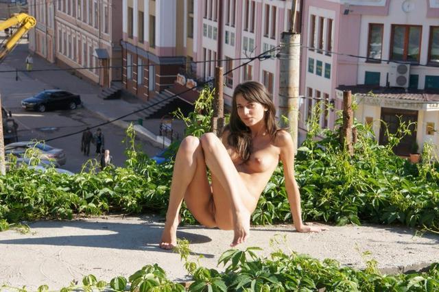 Готова фотографироваться голой на улицах
