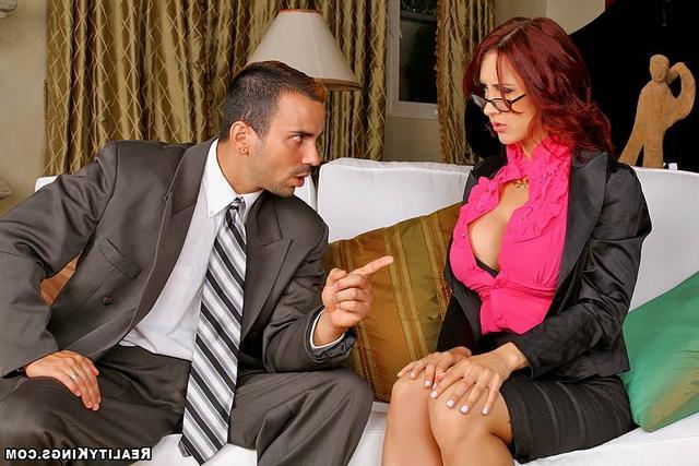 Бизнес-партнер поимел заказчицу секс фото