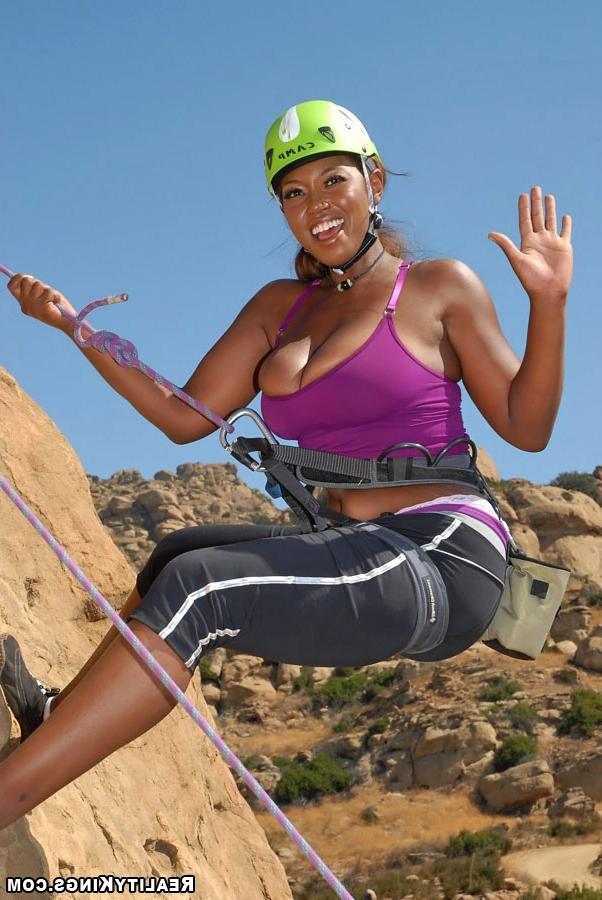 Секс альпиниста с тремя напарницами