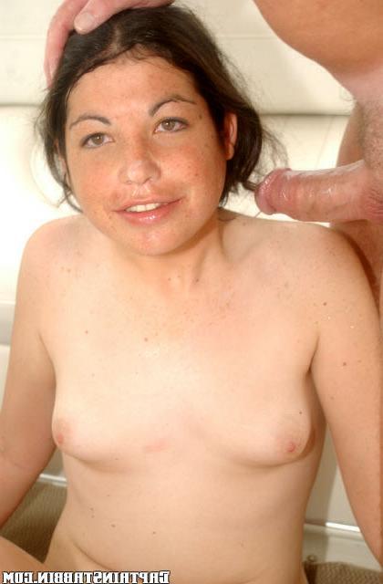 Кудряшка Мари с молодым и старым секс фото