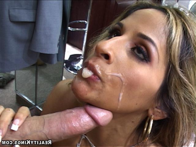 Худышка Лиля приготовилась с сексу секс фото