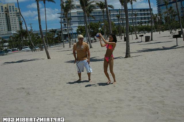 Пляжная футболистка неплохо сношается