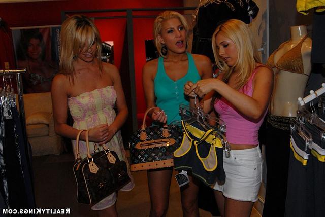 Все блондинки желают трахаться