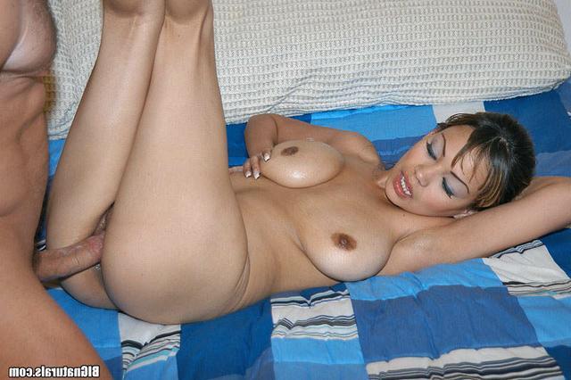 Грудастая Катька желает ебаться секс фото