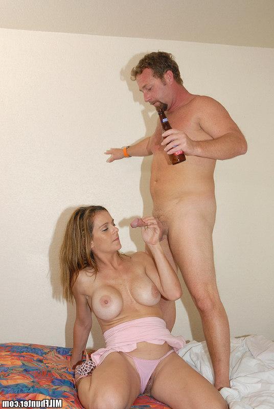 Напившийся пива папаша ебет дочь секс фото